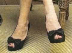 eva affaire tron pieds.jpg